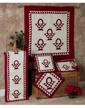 Basket Cran Red / Off White Quilts
